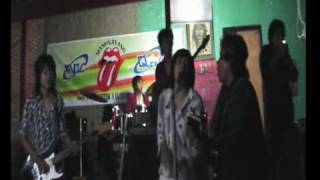 the Rolling stones walking the dog live in garden manglayang brothers