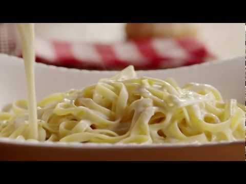 How to Make Creamy Alfredo Sauce