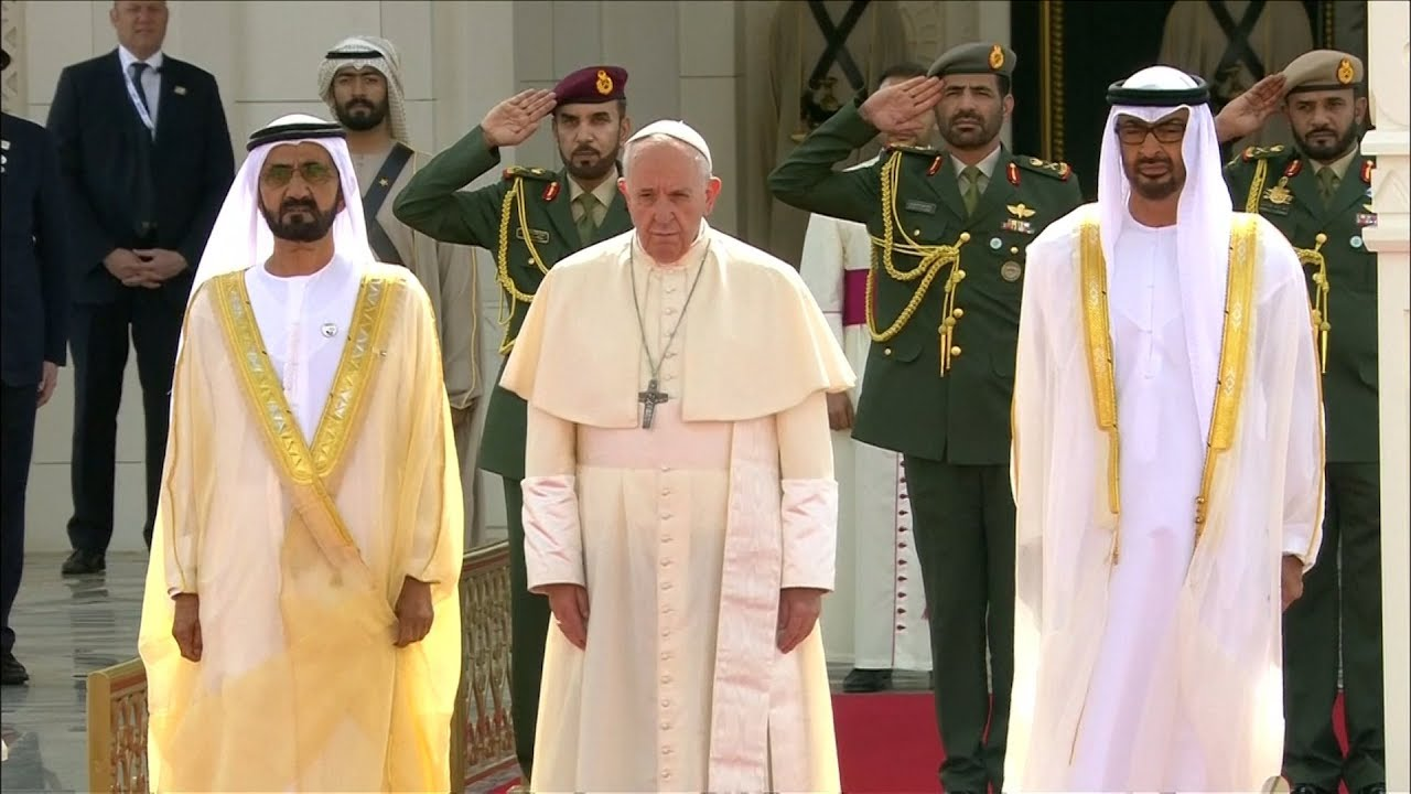 El Papa comenzó su visita a Emiratos Árabes - YouTube