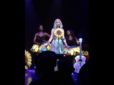 Katy Perry Prismatic tour 2014 Vancouver