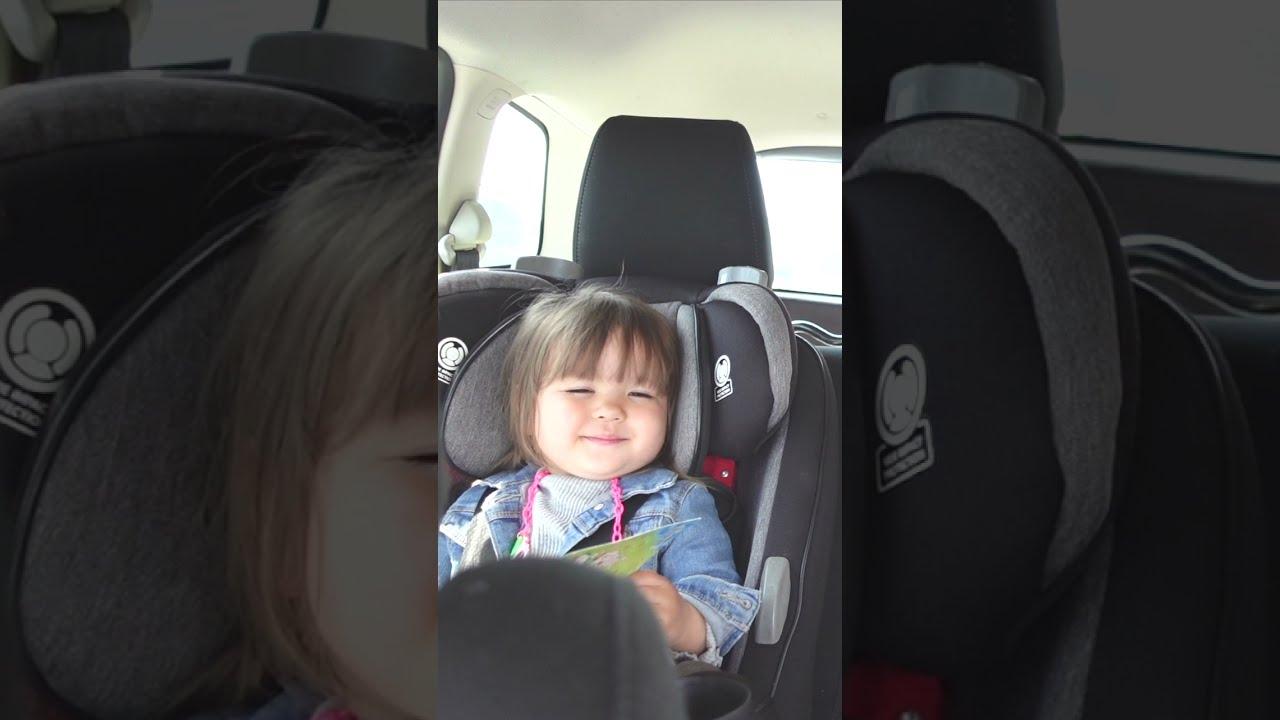 笑顔で睡魔と闘う1歳児♡  国際結婚|海外生活 | 海外子育て #shorts
