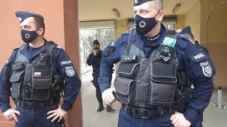 """Ruda Śląska – agresywny personel szpitala broni """"tajemnicy"""" budynku szpitalnego 10.04.2021"""