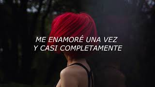 The White Stripes - Fell in love with a girl [Español]