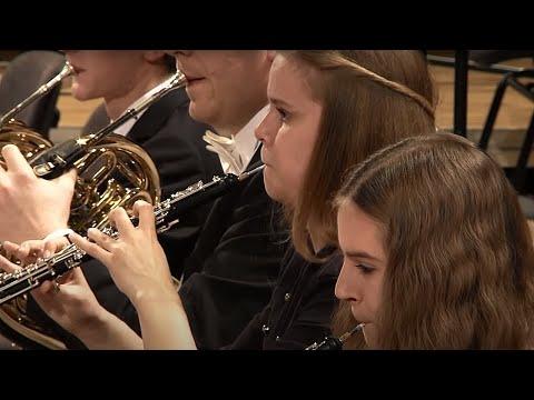 "Joseph Haydn - ""Farewell"" Symphony No. 45 in F-sharp minor, Hob. I:45"
