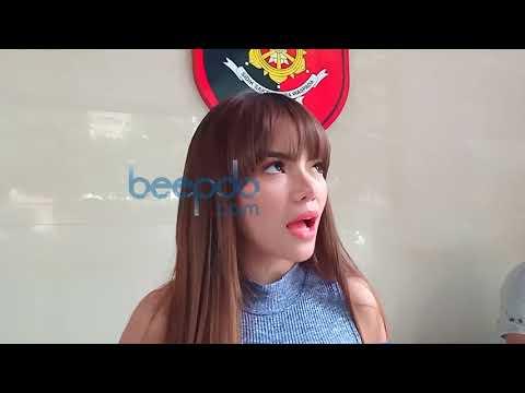 Datangi Polda Metro Jaya, Dinar Candy Diperiksa Kasus Judi Online thumbnail
