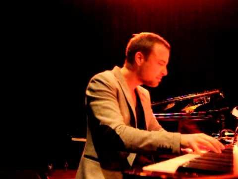 José James - Trouble & more live @ MC Theatre, Amsterdam, 04/04/2012