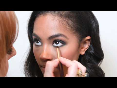 Charlotte Tilbury shows us how to get the perfect smoky eye thumbnail