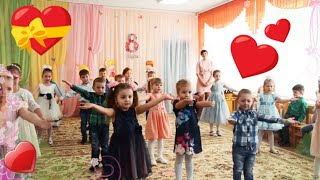 Танець під пісню - а я іграшок не помічаю | dance kids