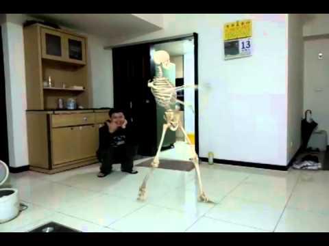 Xem ma nhảy múa bộ xương