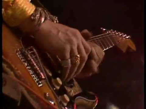 Stevie Ray Vaughan - Scuttle Buttin' & Say what! - - Live At Montreux85