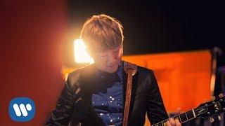 Download Lagu 關喆 Grady Guan - 作者 Author (feat. 秦四風) (Official Music Video) mp3