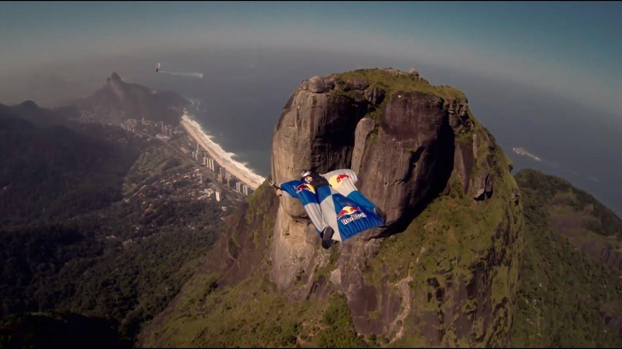 Wingsuit gliding