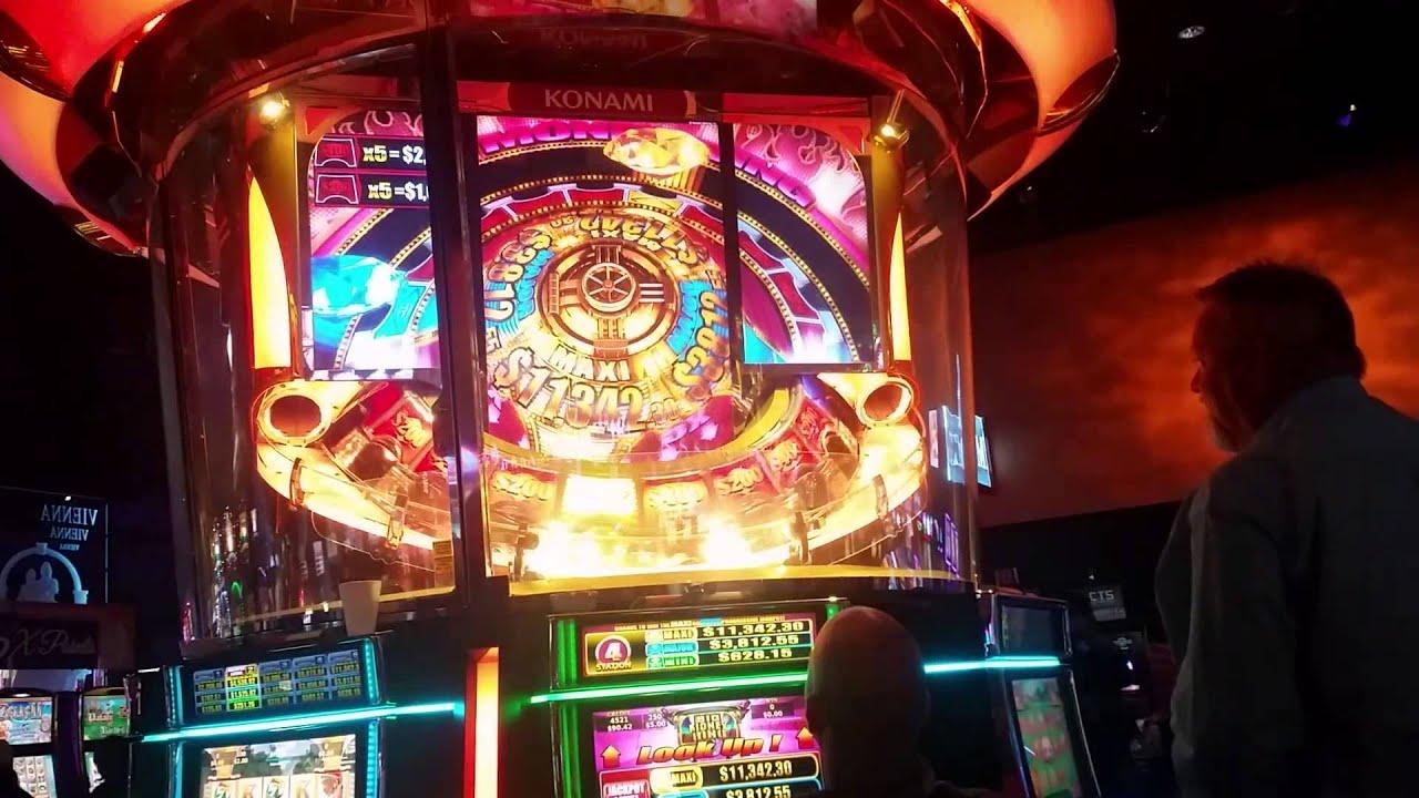 Titan Slot Machine
