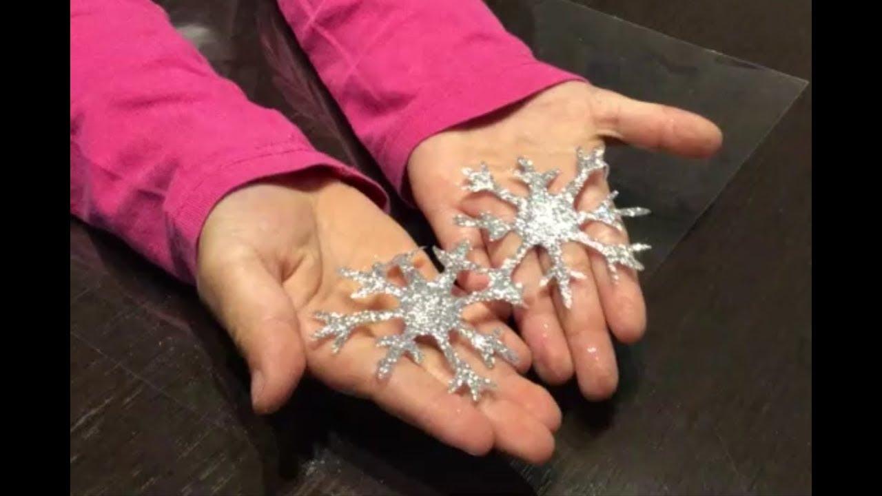 Lavoretti Di Natale Con Colla Vinilica.Isabel Fa I Fiocchi Di Neve Con Colla Vinavil E Glitter