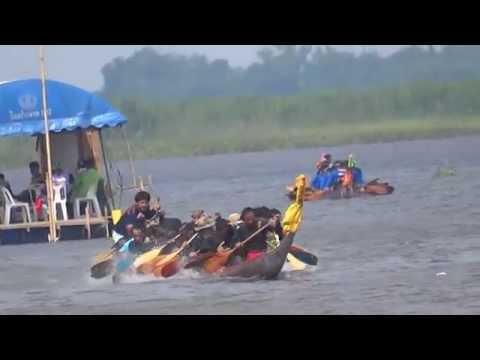 งานแข่งเรือยาว ชิงถ้วยพระราชทานฯ ที่อำเภอกุมภวาปี 2557