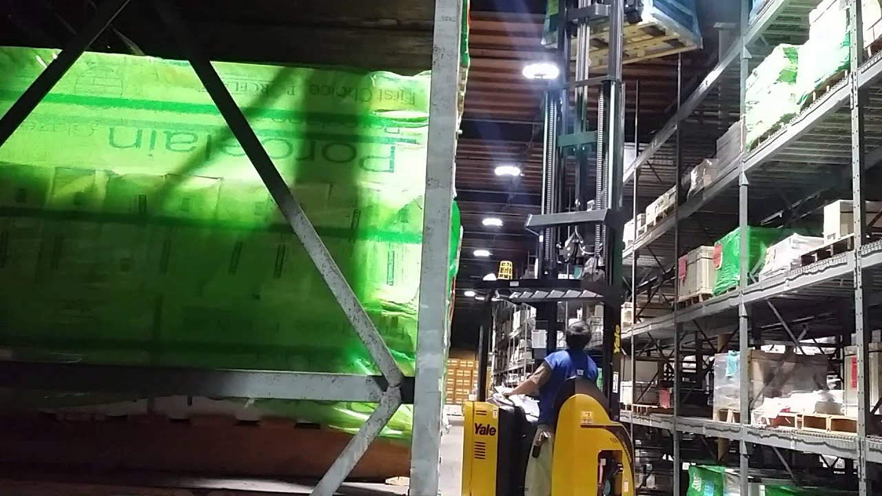 Yale Reach Truck