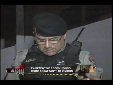Ex-presidiário é preso armado no Poço.