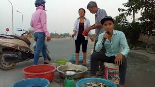 Suddenly he sells street fish bitter viewer - Comedy music strange Nguyen Vinh