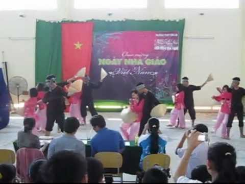 Múa Hành trình trên đất phù sa | 11B2 (2011 - 2012) | THPT Tân An
