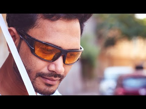 Posing With Sunglasses On Outdoor Portrait Photography | Hindi thumbnail