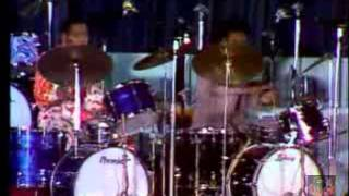 Video Jr Walker & The All Stars -  Live at the Pavillion De Paris 1973 (Part 1 of 2) download MP3, 3GP, MP4, WEBM, AVI, FLV September 2018