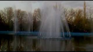фонтан в Докучаевске, Донецкая обл.
