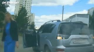 Девушки за рулем  Бабы жесть приколы на дороге
