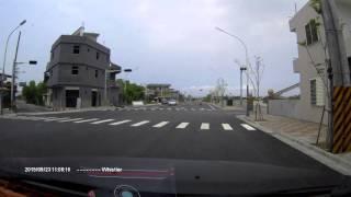 1040923上午11點宜蘭冬山水泥車闖紅燈車禍