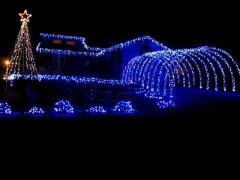 "The BEST ""Wizards of Winter"" Holiday Lights Display"