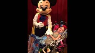 Mickey Mouse sings Happy Birthday to me!