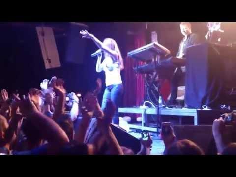 Lena Katina - Malchik Gay Live HD (t.A.T.u)