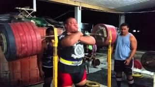705 lb / 320 kg - Front Squat, Raw no Wraps - Jezza Uepa