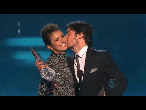 Nina Dobrev & Ian Somerhalder Kiss & Address Breakup! (PEOPLE'S CHOICE AWARDS 2014) - YouTube