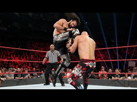 Thumbnail: Seth Rollins debuts new face-busting move