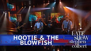 Hootie & The Blowfish Perform 'Hold My Hand'