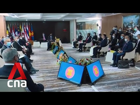 ASEAN foreign ministers hold meeting to discuss Myanmar