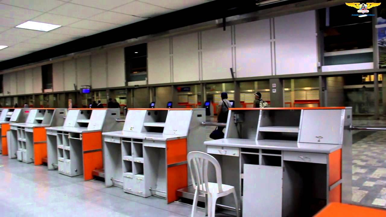 Ltimas horas de operaci n antiguo edificio aeropuerto el for Puerta 6 aeropuerto el dorado