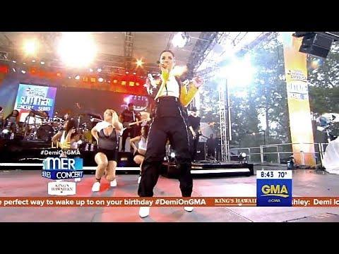 Demi Lovato - Sorry Not Sorry - LIVE GMA  (Rain Storm Performance)