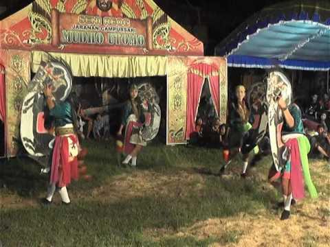 MUDHO UTOMO 1 LIVE KALIAREN BERSAMA ARETA SOUND SYSTEM