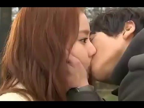 Ciuman Bernafsu Tinggi  - Tips Cara Hot Dan Benar thumbnail