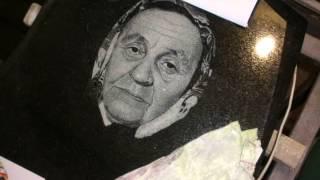 Как рисовать портреты на памятниках