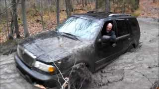 Lincoln Navigator Muddin With the TOYOTAs!