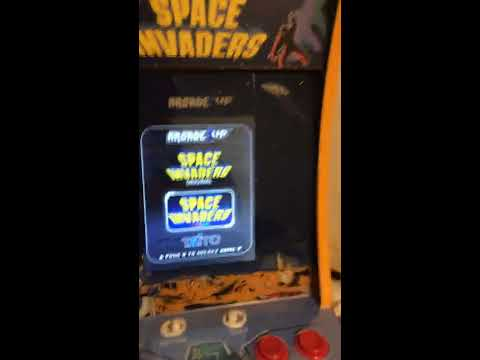 I play space invaders (color) in a frickin' arcade machine from Brett Tries
