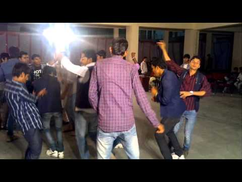 MIT Indore Desi Style Dance in collage Function