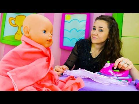 Ролевые игры для детей и детские игрушки: Валя стирает одежду для Эмили ( Кукла Беби Бон). Одевалки