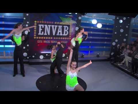 Aprendiendo a bailar el 'Pasodoble' con la Escuela Raúl Campo