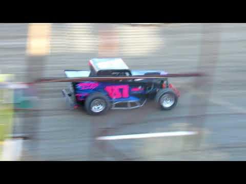 Desert Thunder Raceway Dwarf Car Heat Race 4/14/18