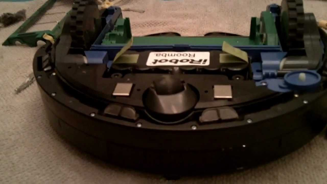 HOW TO PROPERLY CLEAN AN I-ROBOT ROOMBA - HOUSE CLEANING ROBOT MODEL 561 /  OTHER MODELS SIMILAR