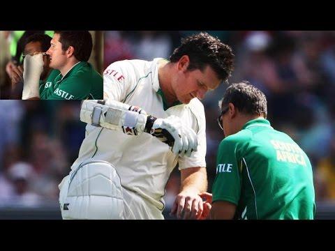 Graeme Smith's batting with Broken Hand MUST WATCH