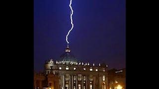 Watykan, uderzenie pioruna po rezygnacji Papieża 11.02.2013.The Vatican, lightning struck